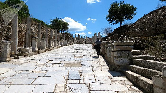 Římská silnice ve starověkém Efezu, Turecko