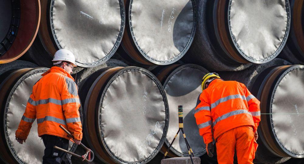 Sklad potrubí pro Severní proud 2 v Německu