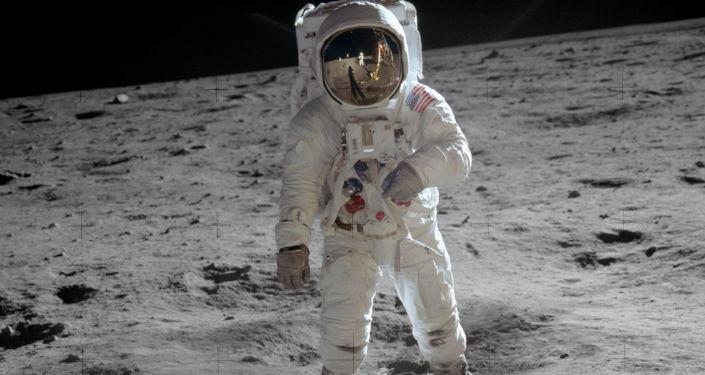 Edwin (Buzz) Aldrin na Měsíci