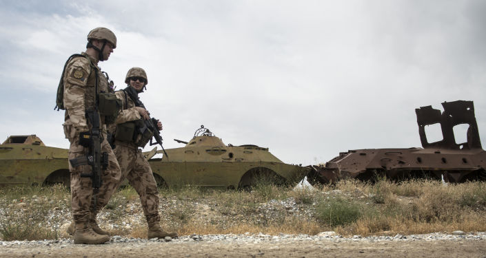 Čeští vojáci hlídkují v Afghánistánu. Archívní foto