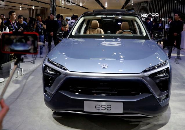 Automobil NIO ES8