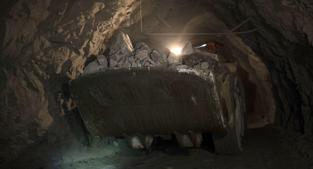 Těžební šachta ve Sverdlovské oblasti. Ilustrační foto