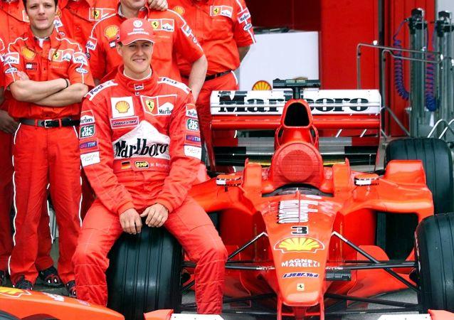 Michael Schumacher v roce 2000 nedaleko Barcelony