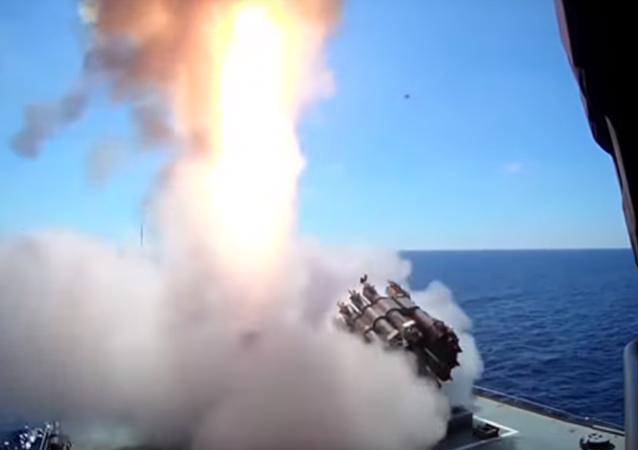Fregata třídy Admiral Grigorovič poprvé vystřelila z Kalibru