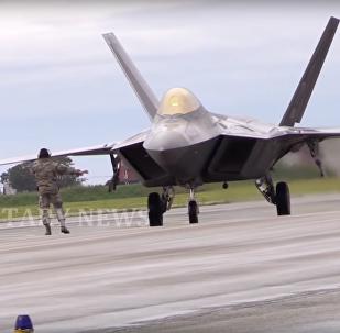 Stíhačky F-22 a F-35 se utkaly v Norsku