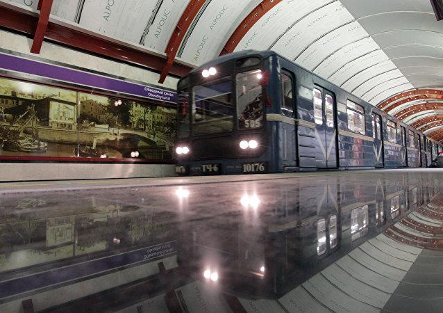 Stanice metra v Petrohradu. Ilustrační foto