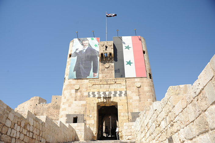Vchod do citadely v Aleppu
