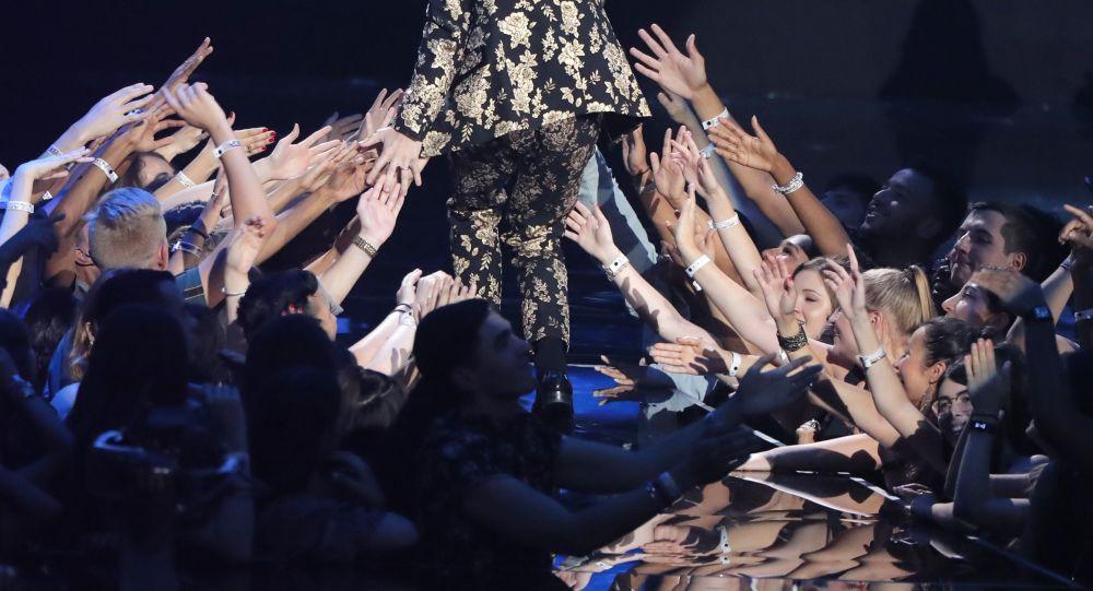 Skoro bez oblečení. Udělování cen 2018 MTV Video Music Awards