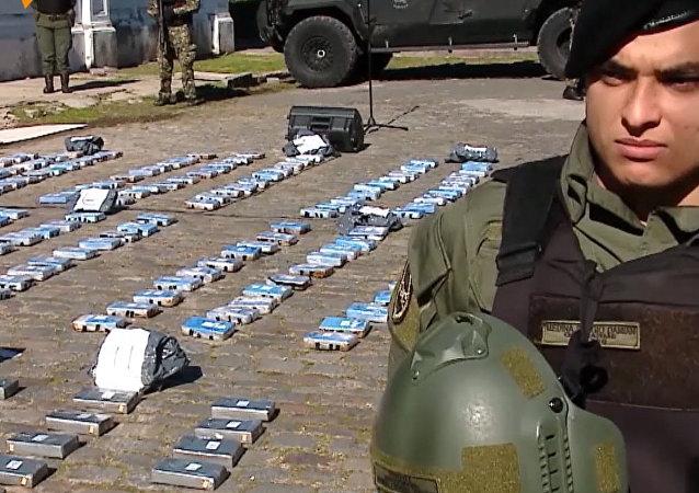 V Argentině spálili téměř půl tuny kokainu, který byl nalezen na ruském velvyslanectví