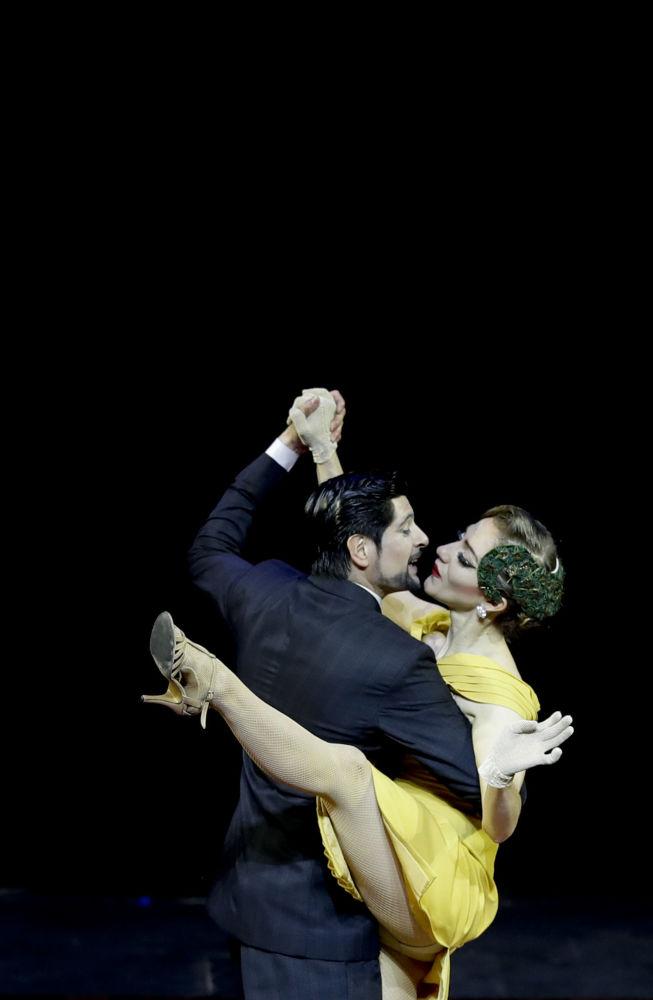 Argentinský pár Cristian Correa a Leah Barsky vystupují na MS v tangu v Argentině.