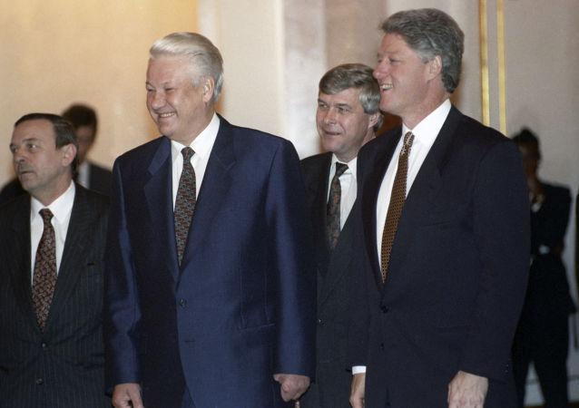 Ruský prezident Boris Jelcin a jeho americký protějšek Bill Clinton