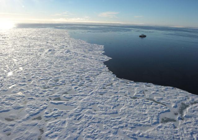 Ledoborec v kanadské Arktidě