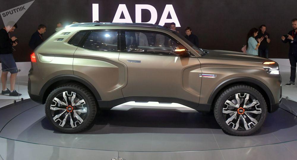 Nová Lada 4x4 Vision na Moskevském autosalonu