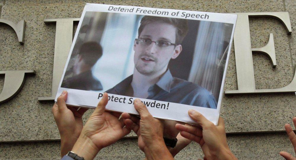 Mítink na podporu Snowdena