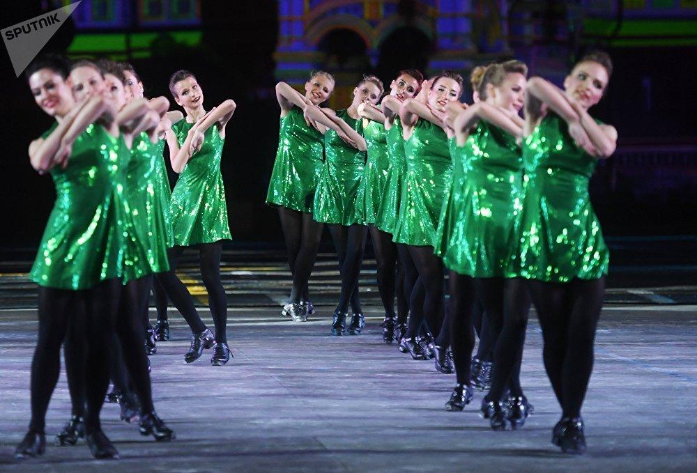 Vystoupení skupiny irských tanců na festivalu Spasská věž