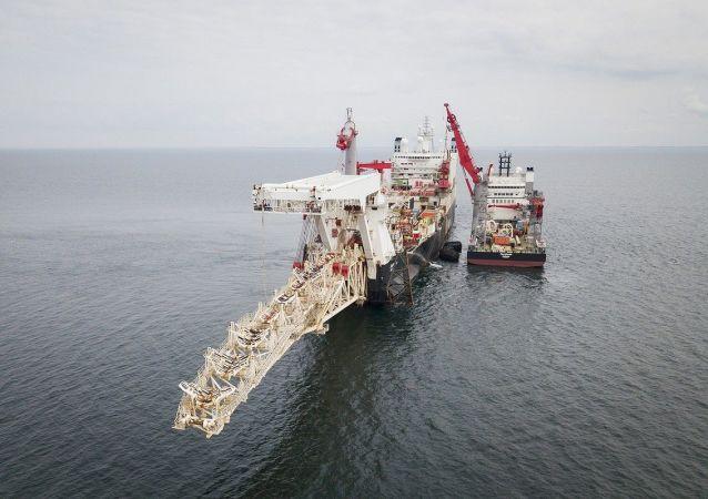 Pokládání potrubí Severního proudu