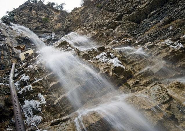 Vodopád v okolí Jalty