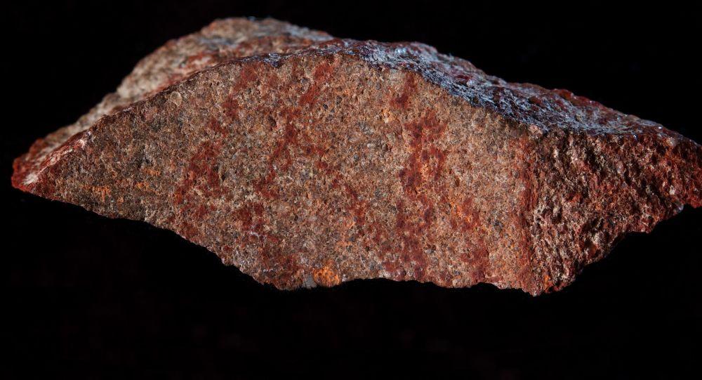 Jeskyně Blombos a obraz starý 73 tisíc let