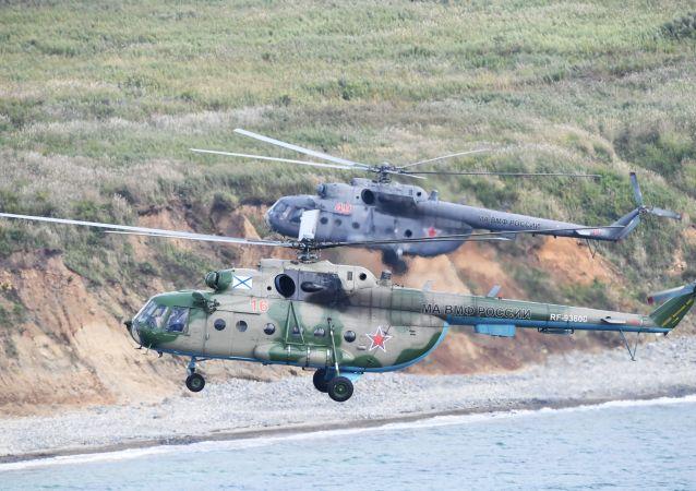Vrtulníky Mi-8 během cvičení Vostok 2018
