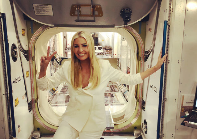 Poradkyně a dcera prezidenta USA Ivanka Trumpová navštívila kosmické centrum NASA