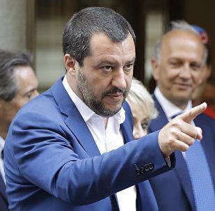 Vůdce strany Liga Matteo Salvini