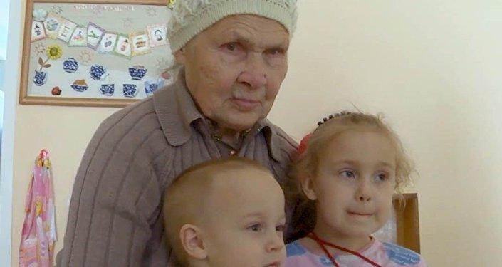 Babička pro všechny sirotky. A co byste pro děti udělali vy?