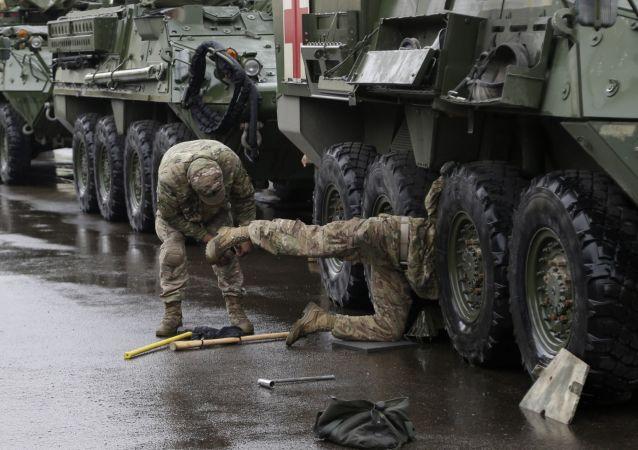 Obrněné vozidlo Stryker armády USA v Praze