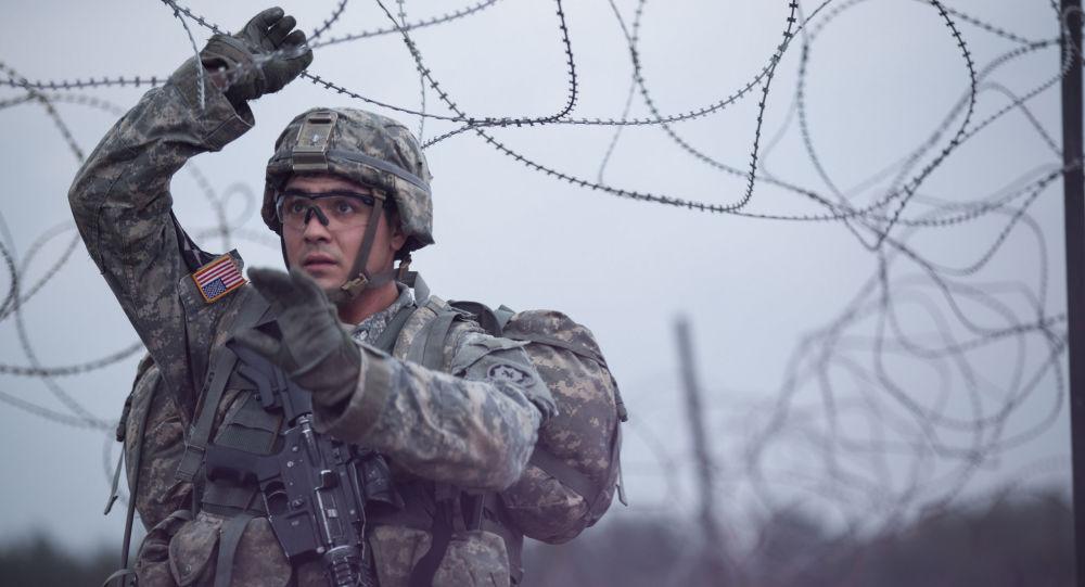 Americký voják během cvičení NATO v Evropě. Ilustrační foto