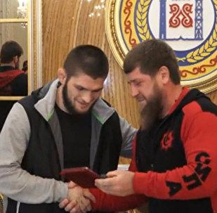 Prezident Čečenska ocenil vítězství Nurmagomedova a zahrnul ho luxusem