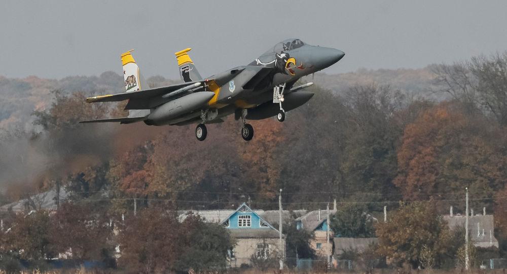 Byl oznámen vítěz boje Su-27 a F-15 na Ukrajině (VIDEO)