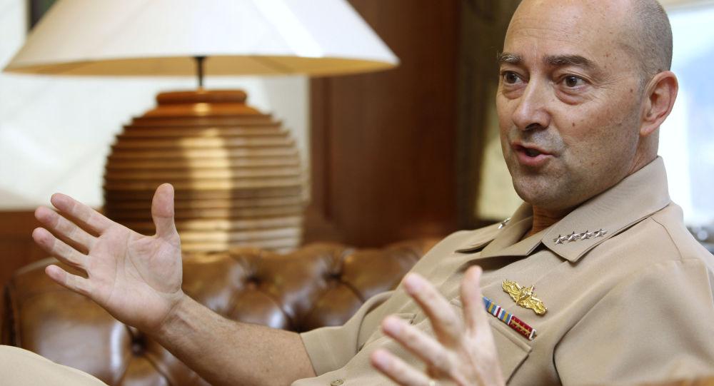 Bývalý vrchní velitel spojených sil NATO v Evropě James Stavridis