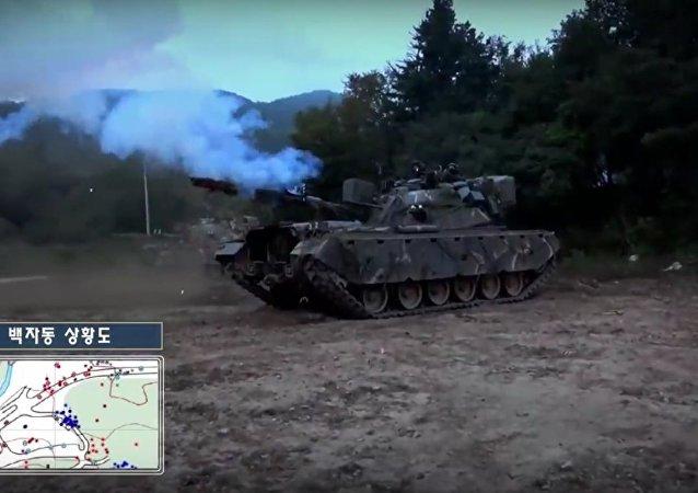 """""""Létající"""" T-80U se v Jižní Koreji střetly s tanky M48A5K"""