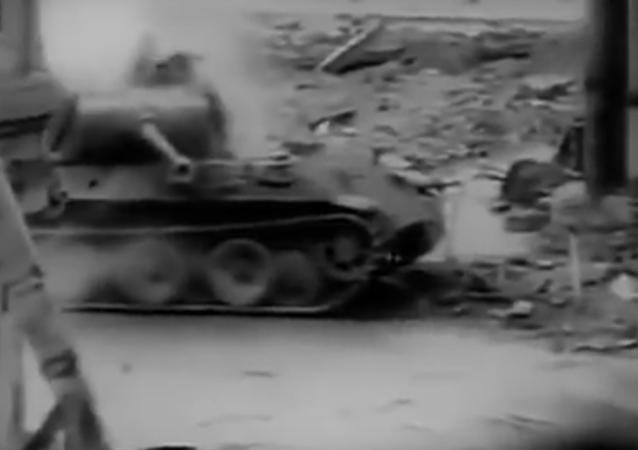 Pershing proti Pantherovi. Skutečné VIDEO tankové bitvy 2. světové války