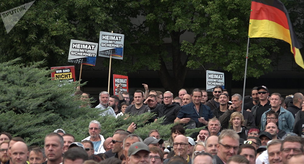 Účastníci demonstrace v Chemnitzu. Ilustrační foto