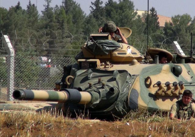 Turečtí vojáci na hranici se Sýrii. Archivní foto