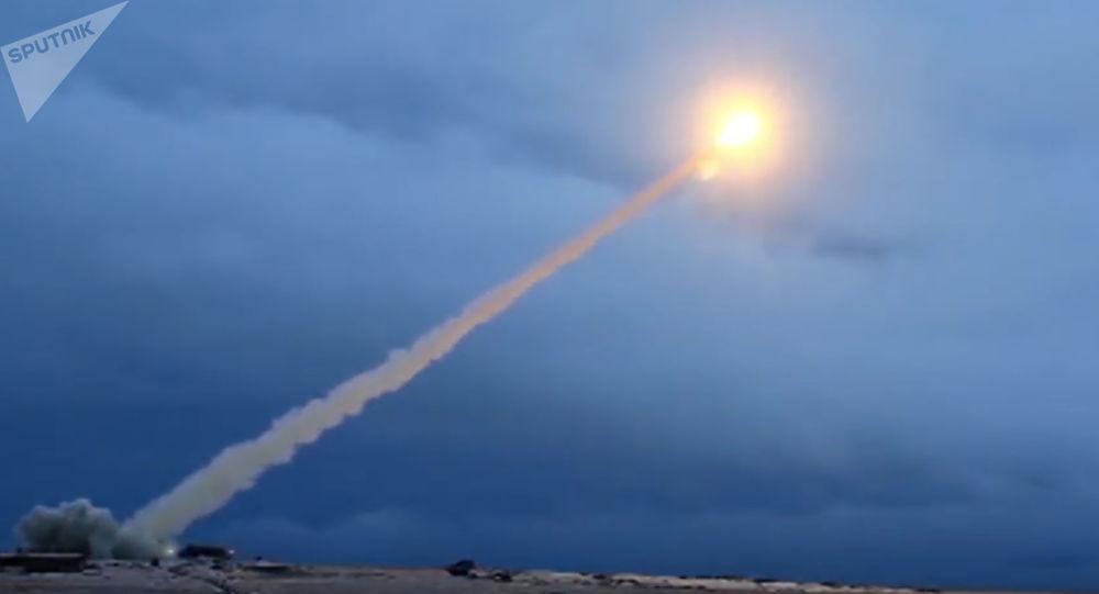 Zkouška ruské rakety s plochou dráhou letu Burevestnik