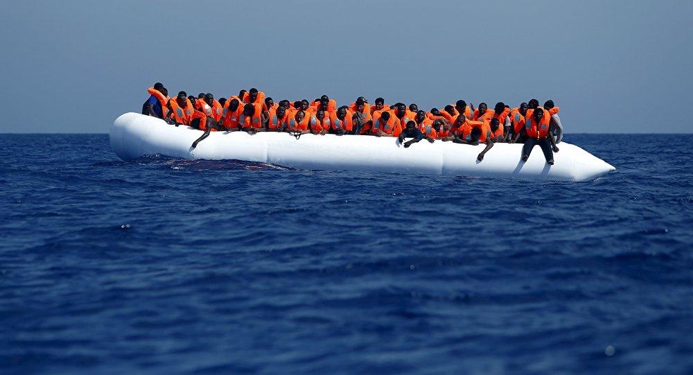 Migranti u břehů Libye