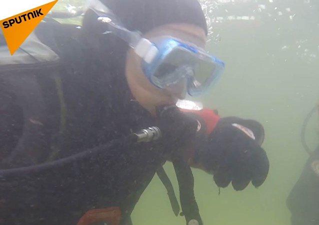 Nemáme jinou planetu. Jak 12letý potápěč zachraňuje naši ekologii