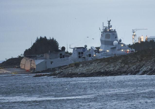 Srážka fregaty KNM Helge Ingstad s tankerem Sola TS