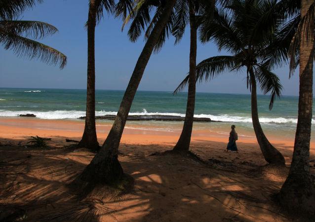 Pobřeží ostrova Srí Lanka
