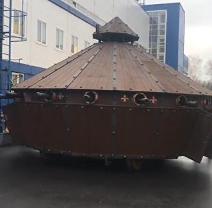 V Bělorusku vytvořili tank podle skic Leonarda da Vinciho (VIDEO)