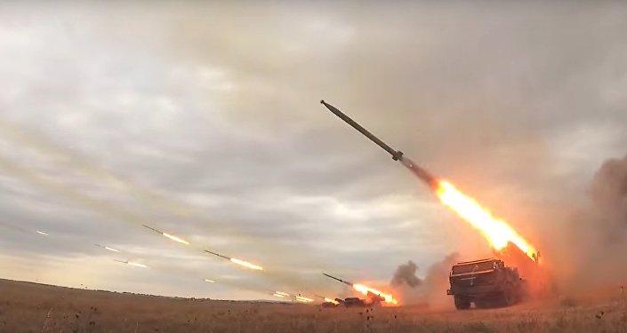 V jednom VIDEU byla shromážděna veškerá síla ruského dělostřelectva