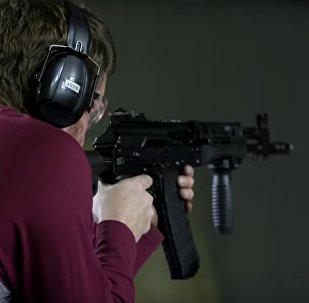 Zkouška nejnovějších pušek Kalašnikova