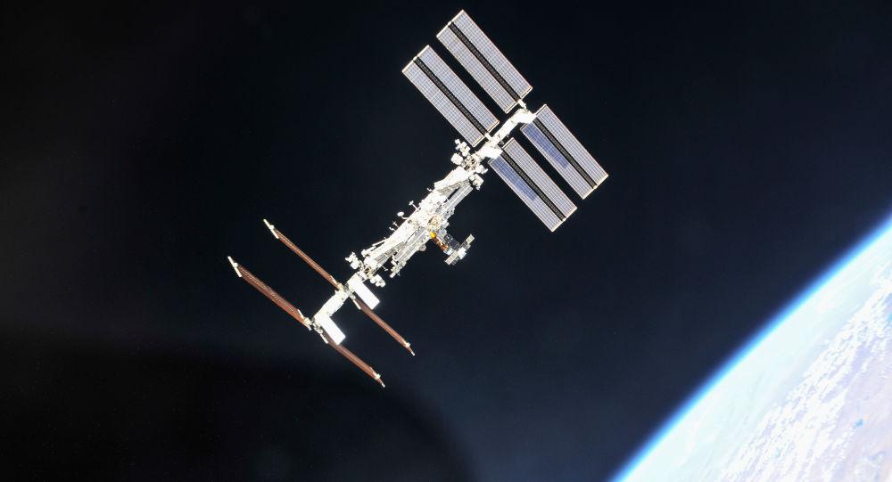 Mezinárodní vesmírná stanice z paluby lodi Sojuz