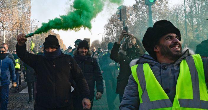 Protestní akce žlutých vest proti zvyšování cen paliv ve Francii