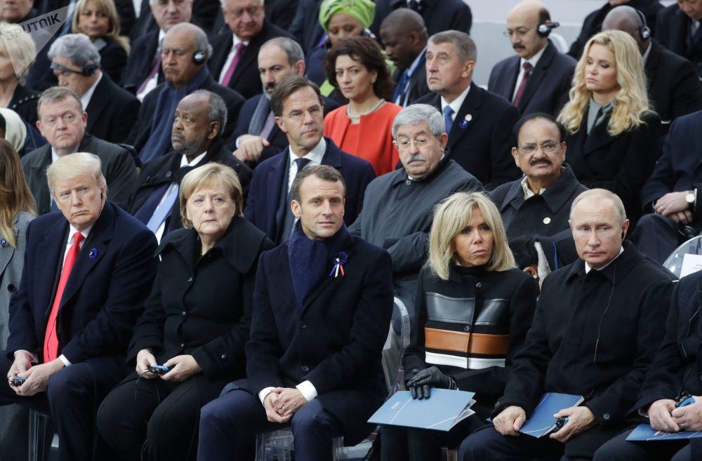Pamětní obřad v Paříži při příležitosti k 100. výročí konce 1. světové války