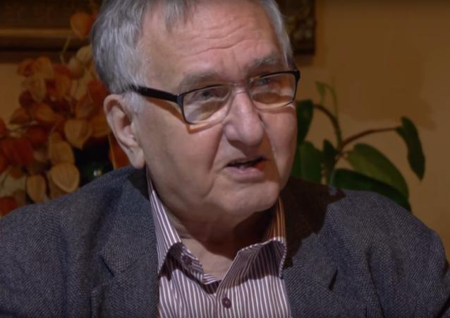 Česko-německý historik, spisovatel a publicista Tomáš Krystlík