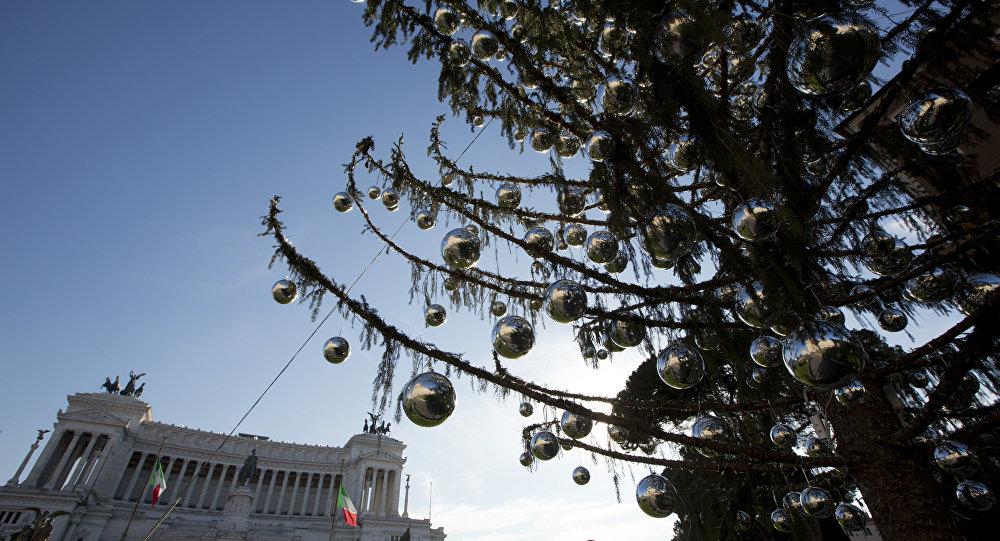 Benátské náměstí (Piazza Venezia) v Římě