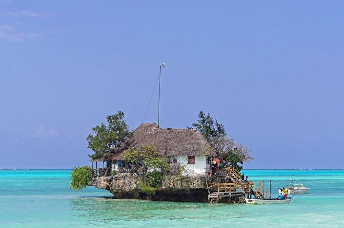 Restaurace The Rock Zanzibar, Tanzani.