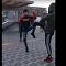 Kolemjdoucí natočili drsnou bitku dvou kluků v Praze na Proseku